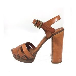 536a45bb666 Chloe leather   wood platform sandals 70s style
